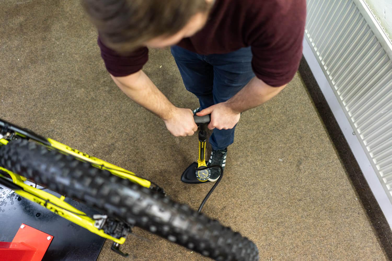 web_e-bike-wartung-fruehjahrscheck-fuers-pedelec_e-bike-gebraucht-kaufen_rebike1-08962