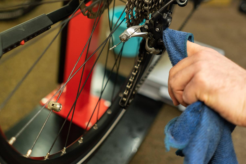 web_e-bike-wartung-fruehjahrscheck-fuers-pedelec_e-bike-gebraucht-kaufen_rebike1-08854